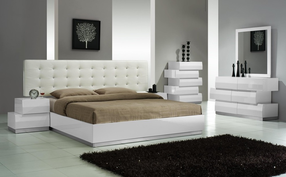 Best way to buy new king bedroom furniture home tips and for Best place to buy bedroom sets